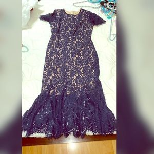 Dresses & Skirts - Gorgeous lace dress in blue